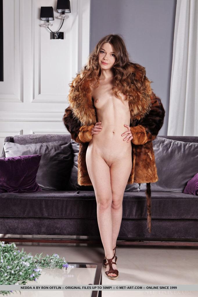Remarkable, naked girl fur coat apologise