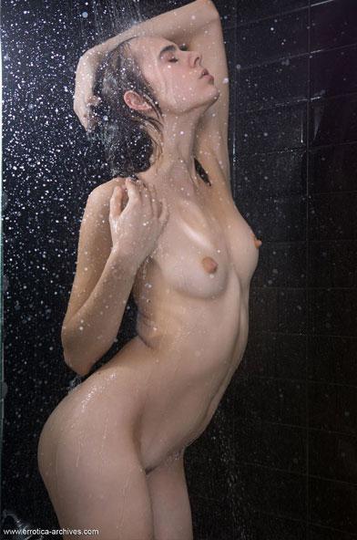 Sexy Showering Brunette Fantasy Erotica Girl